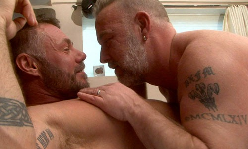 hot-older-male-mature-beefy-guys-fucking-their-asses
