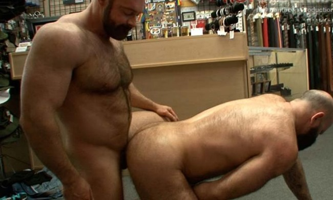hot-older-male-brad-kalvo-and-victor-west