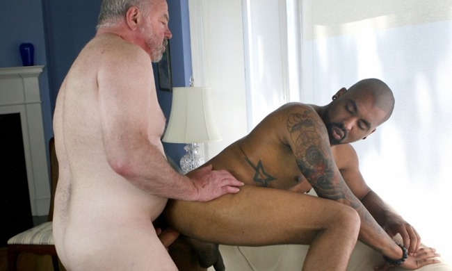 hot-older-male-lee-silver-and-drew-vergas-sex
