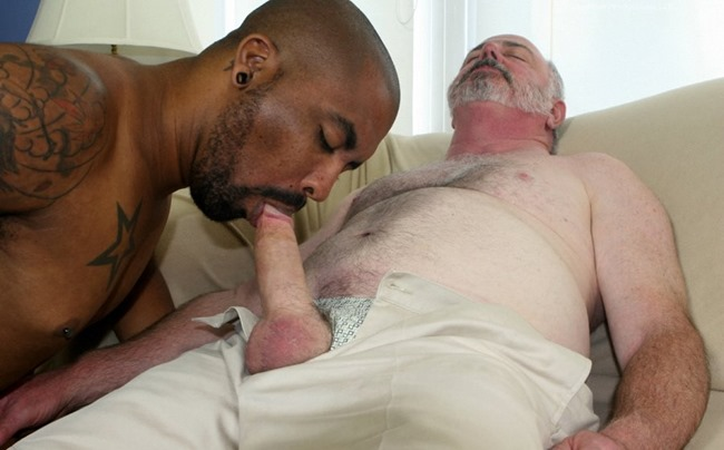 hot-older-male-lee-silver-and-drew-vergas